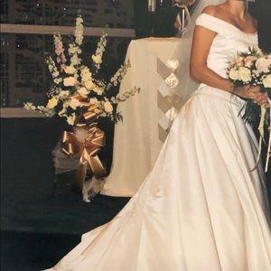 Vintage Wedding Dress. Size 2.